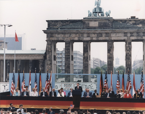 lossy page1 1280px Photograph of President Reagan giving a speech at the Berlin Wall  Brandenburg Gate  Federal Republic of Germany   NARA   198585 tif